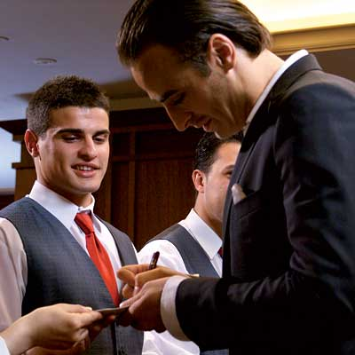 Berbatov Spreading Himself to Fans